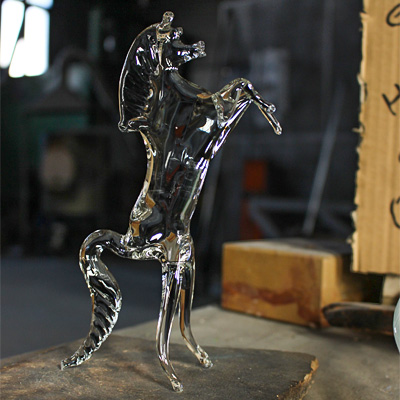 glass horse blowing demonstration